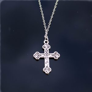 Verzilverde ketting Cross